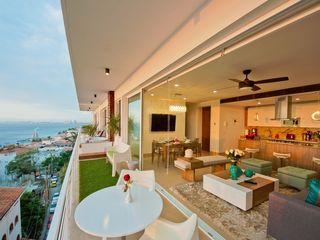 Puerto Vallarta condo photo - Social area view