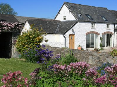 5* GRADED TRADITIONAL STYLE COTTAGE WITH STUNNING VIEWS