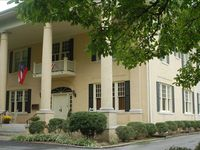 Mansion in Chickamauga - Just 20 Minutes from Chattanooga