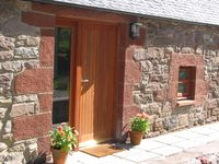 3 cottages with countryside views, convenient for access to Perth and Dundee