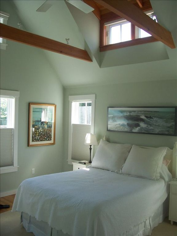 Cottage with Master Bedroom (queen), Jacuzzi bathroom