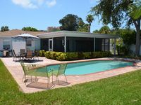 Beautiful Family Beach House with Heated Pool, Close to the Beach