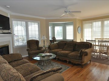 large open floor plan. living room has attached sitting room and dining area