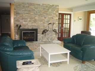 Ottawa house photo - Living-room with gas fireplace