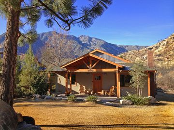 Kernville cabin rental - A beautiful Kern River day. Plan your activities for the day and have fun.