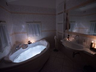 Perugia apartment photo - The angular jacuzzi for 2 people for a total relax with exclusive system