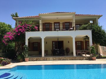 Magnificent Villa With Stunning Views and Private Pool