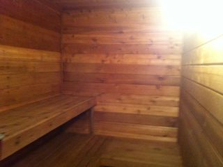 Club size sauna fits 5-6