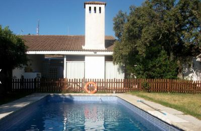 Chalet with 5 bedrooms in Valdecaballeros, with wonderful mountain view, private pool, furnished terrace