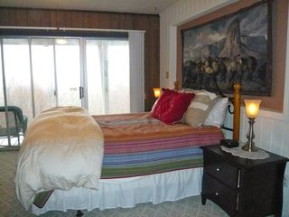 Banner Elk house photo - Two bedrooms downstairs each with a queen bed, and a set of bunks, private bath