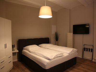 Modern apartment in city and Uninähe for 1-4 people