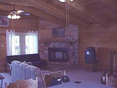 Lake Greenwood cabin rental - Fire place