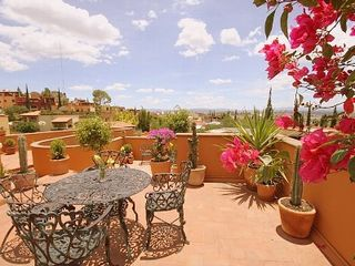 San Miguel de Allende villa photo - Time for morning coffee on the roof-top deck!
