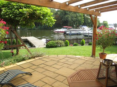 Modern apartment right on the water, with private dock over the water rich Köpenick