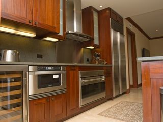 Ko Olina villa photo - State of the art kitchen