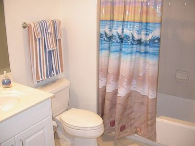 Clearwater Beach condo rental - Mandalay Beach Club (603) Guest Bath - Clearwater Beach