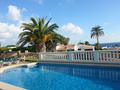 Fantastic villa with private pool and sea views close to the beach for up to 7 persons