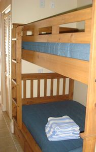 Additonal Sleeping Capacity - 2 Bunk Beds