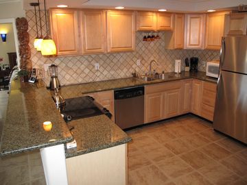 Kihei condo rental - Beautiful Deluxe open kitchen.