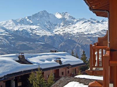 ARC 1800. 4 **** residence. Style chalet with panoramic views