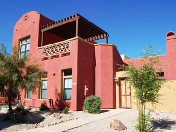 Tubac townhome rental - Bright and cheerful end unit townhome with mountain views from sky terrace