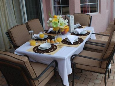 Outdoor Dining Next to your secluded Private Pool and Spa!