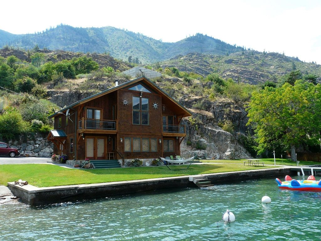 Amazing private waterfront home king 39 s kove vrbo for Amazing holiday rentals