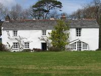 Hustyn Gate is a 5 6 bedroom Farmhouse set in beautiful gardens