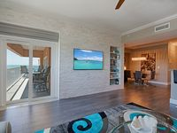 Newly Renovated Penthouse. See video (Pic. 25). Also see VRBO 576444