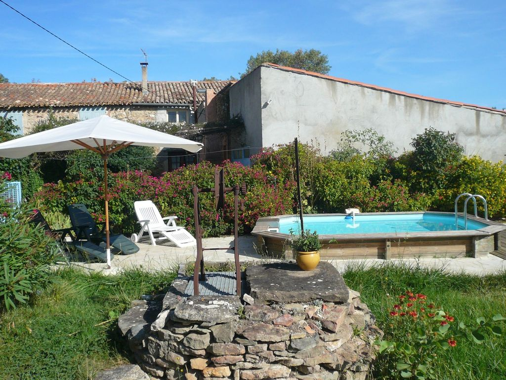 Holiday house, 180 square meters , La Livinicre, France