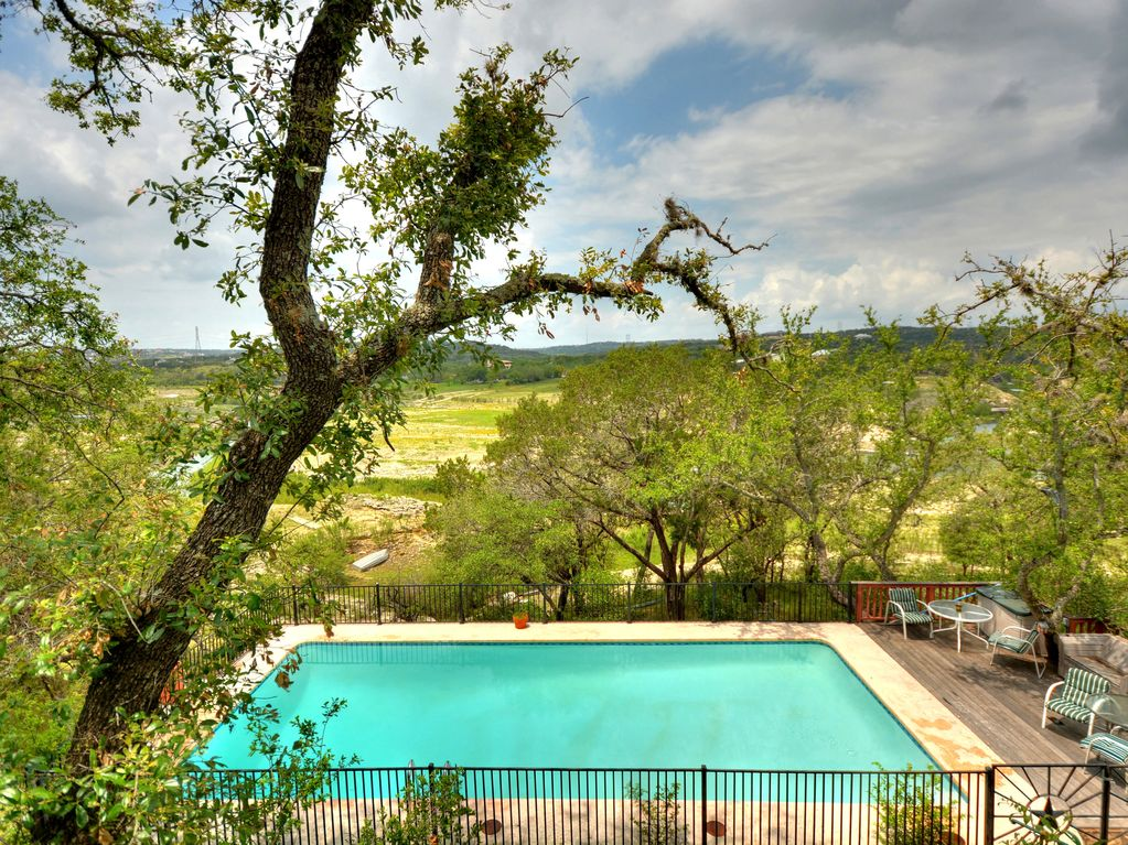 Rustic Lakefront Cabin On Lake Travis Homeaway Texas Hill Country