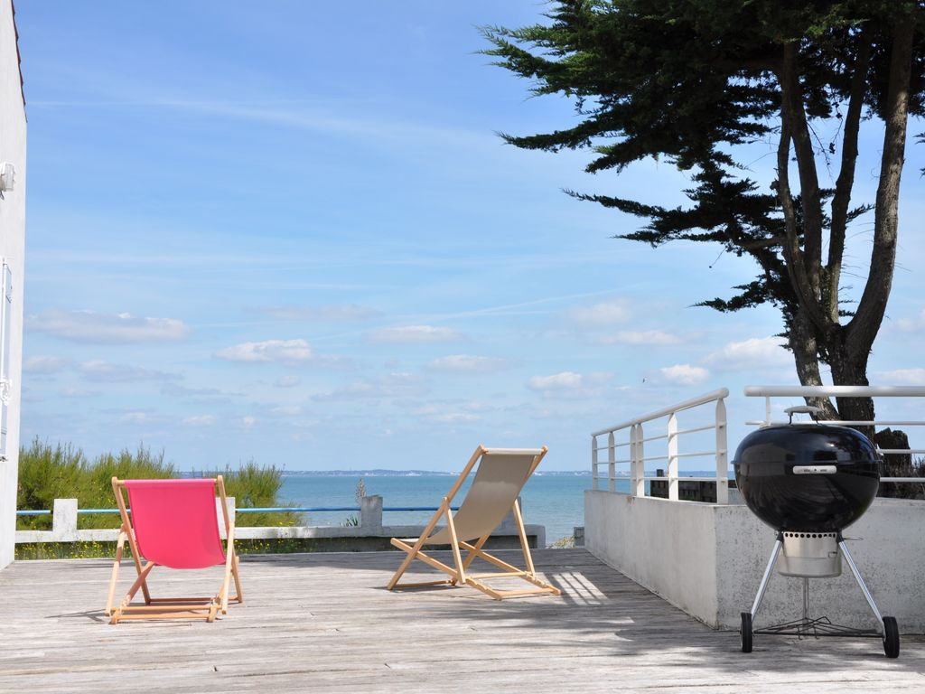 maison d 39 architecte face la mer vue mer ile de noirmoutier abritel. Black Bedroom Furniture Sets. Home Design Ideas