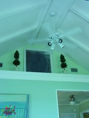 Gulfport cottage photo - Vaulted cathedral ceilings