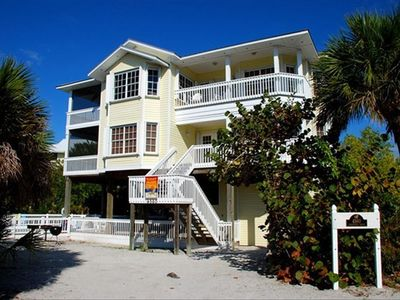 Welcome to the Four Islands Beach House!