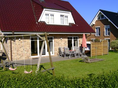 Large holiday house for 8 people. 4 bedrooms, 3 bathrooms, garden, family-friendly