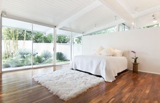 Hollywood house photo - master suite