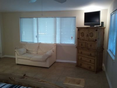 Austin cabin rental - Seating area. High Speed Wifi which will reach to the pool area.
