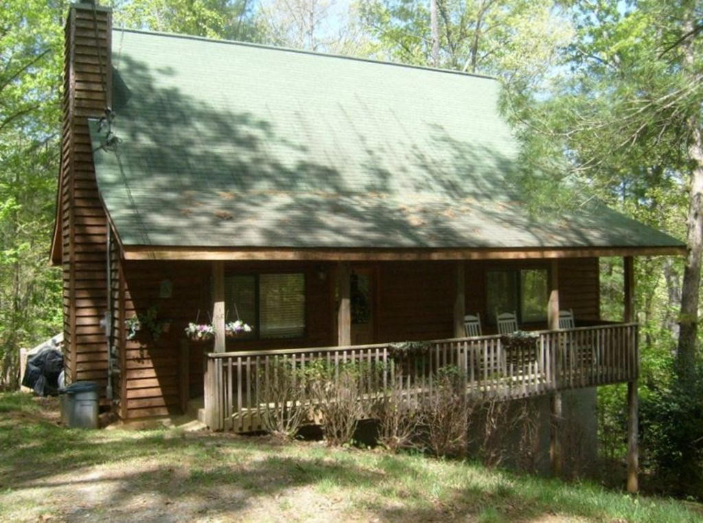 Cabin rental in ellijay ga hot tub pool vrbo for Ellijay cabins for rent by owner