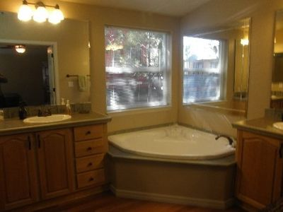 Large Master Bathroom with shower and garden tub, 2 sinks