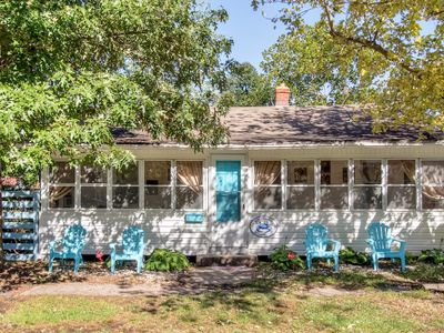 New Listing! 'The Blue Crab Cottage' Endearingly Vintage 3BR Colonial Beach Home w/Wifi, Large Sun Porch & Secure Fenced Yard - Very Dog Friendly! Just 2 Blocks to the Beach & 4 Blocks to Downtown Restaurants, Shops & Casinos