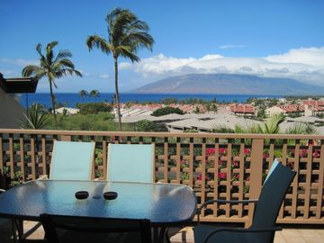 Wailea condo rental - Ocean view from our balcony