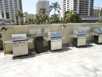 Honolulu condo rental - BBQ Grill