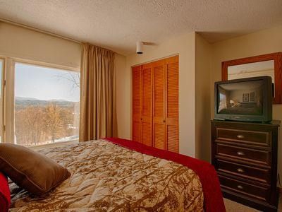 Comfortable and affordable mountainside condo