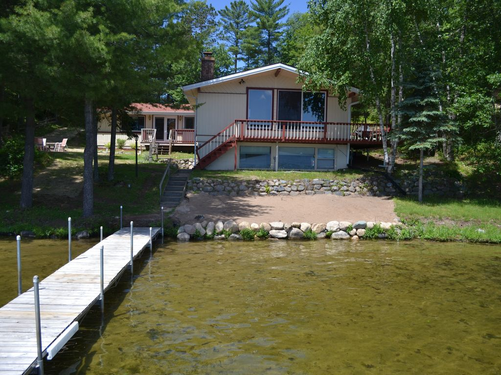 Executive home right on the water vrbo for Vrbo wisconsin cabins