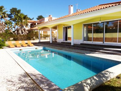 Villa for 8 With Private Swimming Pool, Close To The Best Beaches Around Lisbon