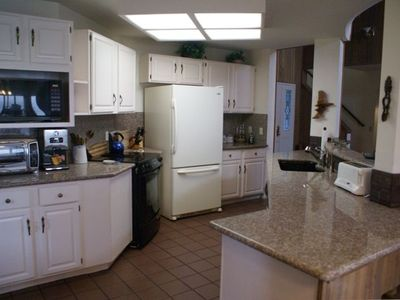 Well equipped kitchen--granite counters