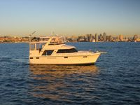 Terrific Carver 42&039; Motoryacht With 2 Queen Bed Cabins And 2 Full Baths