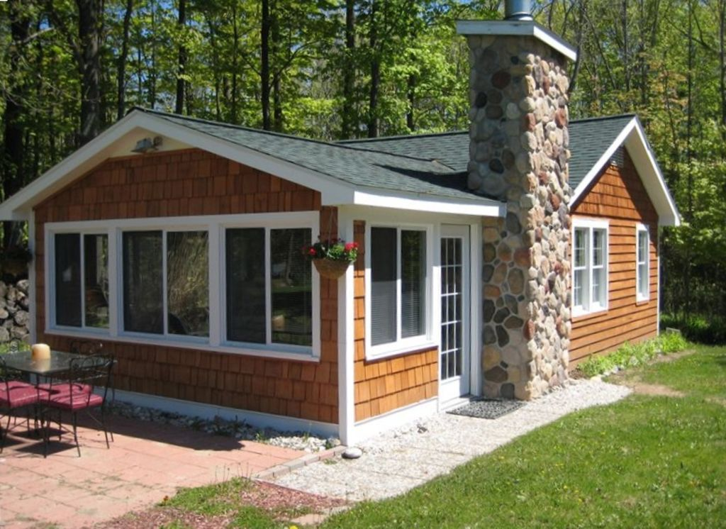 Comfy cottage 600ft wf near charlevoix vrbo for 10 bedroom vacation rentals in michigan