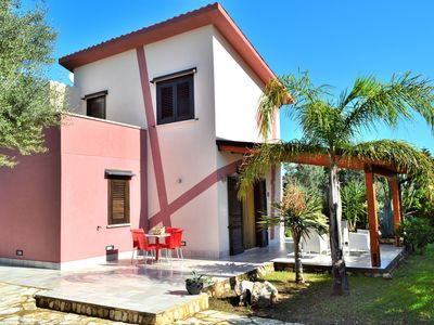 6/6 Beds Wonderful Villa surrounded by a green area with a swimming pool