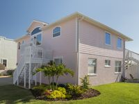 Beachfront home with room for large families and groups!